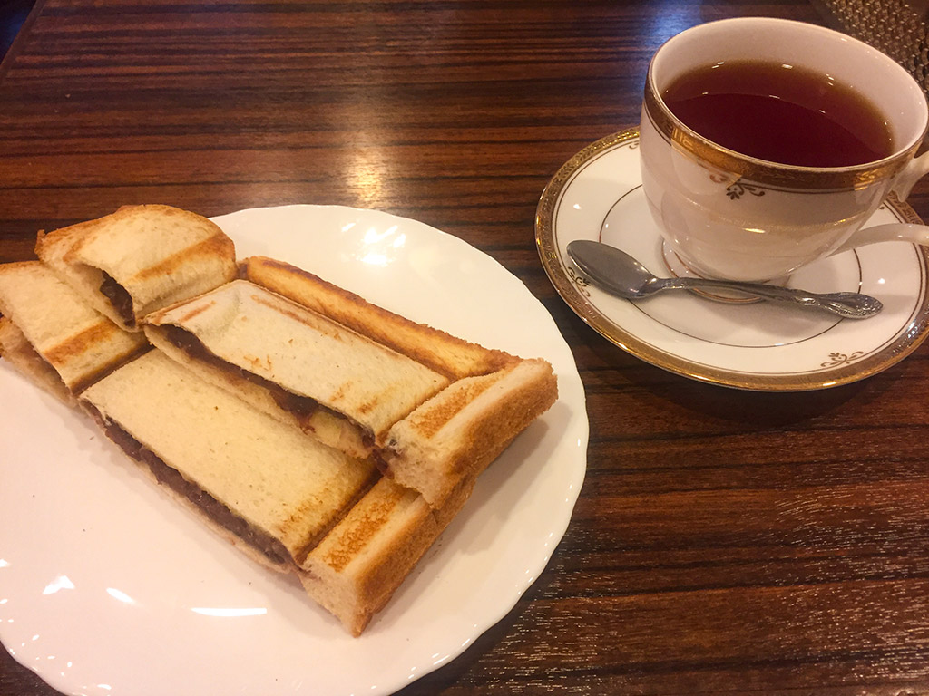 A pressed sandwich with Ogura-an (sweet red bean paste) at Riyon Coffee Shop.
