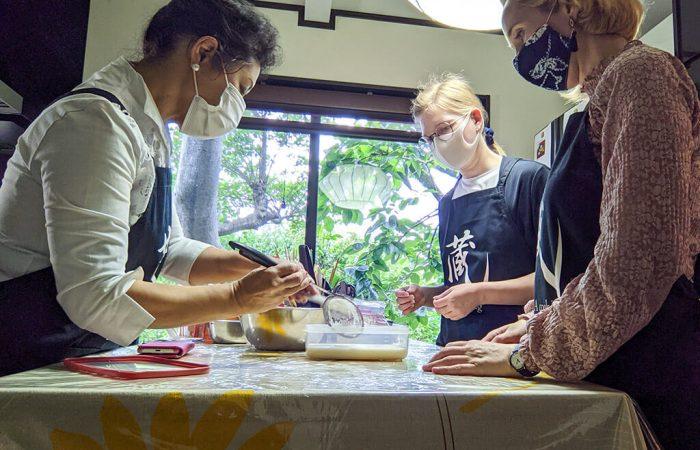Making Uiro Japanese jelly